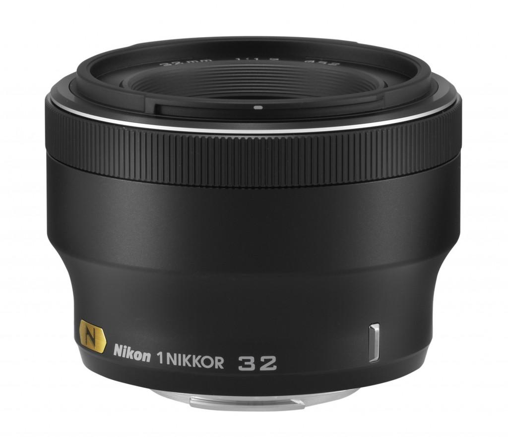 1 NIKKOR 32mm f/1.2 lens