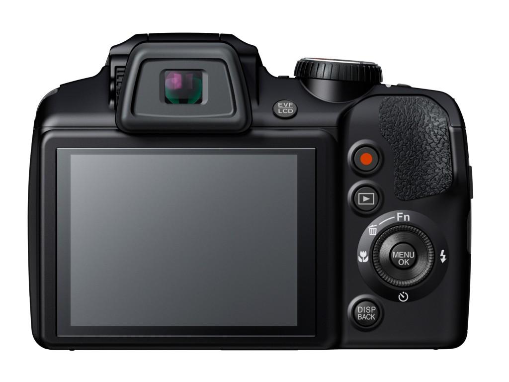 Fujifilm-FinePix-S8400W-2