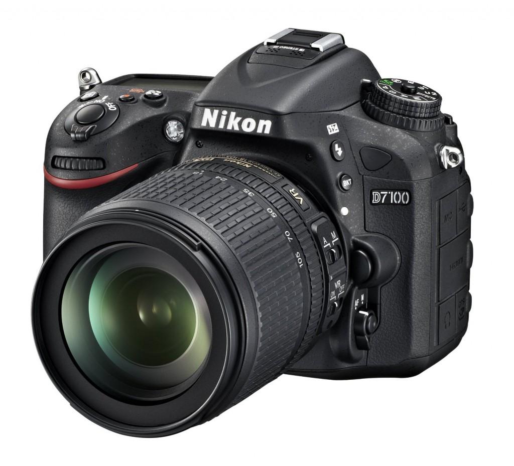 Nikon D7100 18-105mm lens