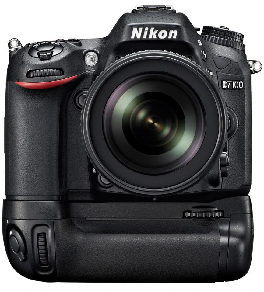 Nikon D7100 with MB-D15 Battery Grip