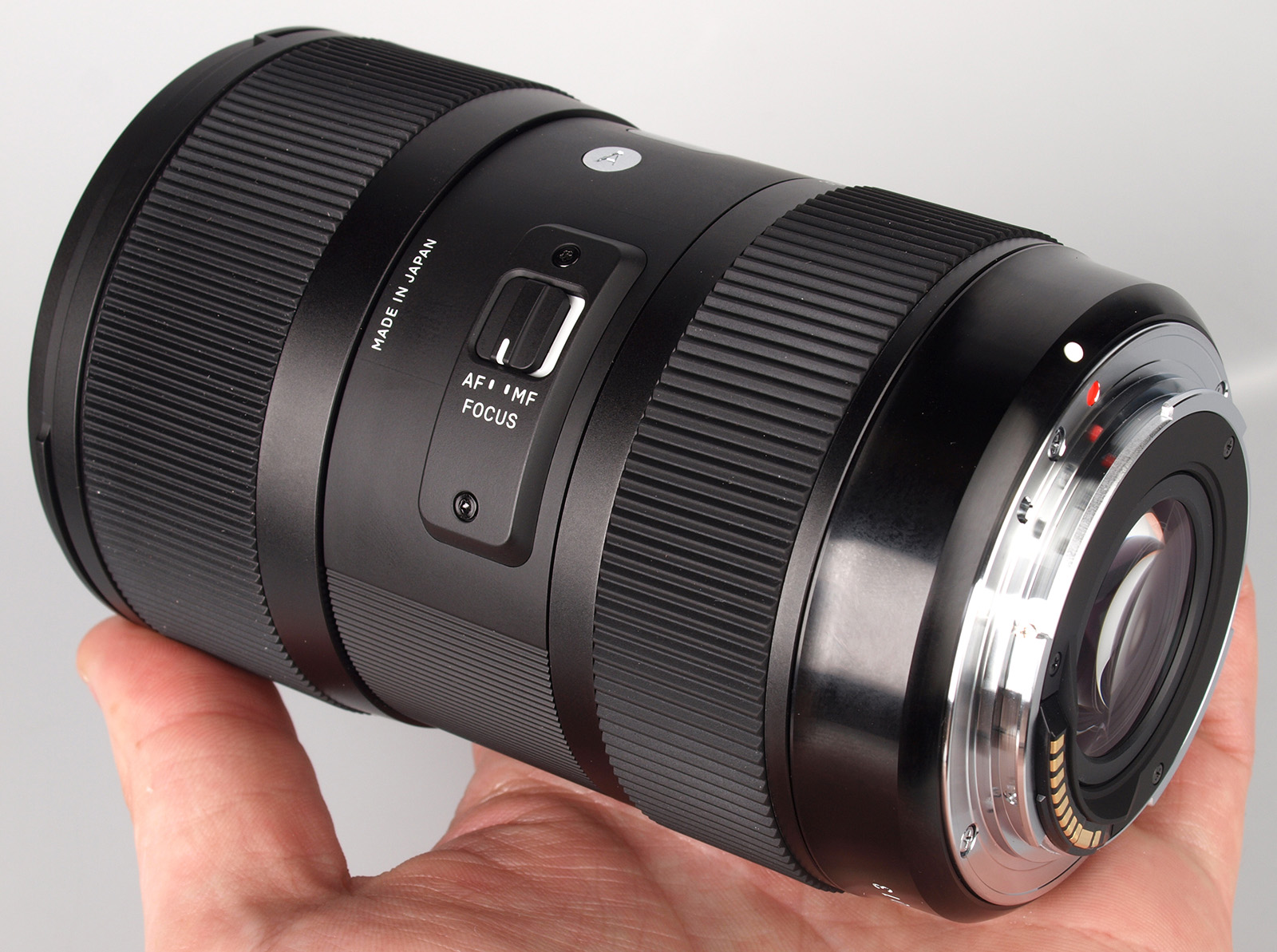 sigma 18 35mm f 1 8 dc hsm lens announced price specs. Black Bedroom Furniture Sets. Home Design Ideas