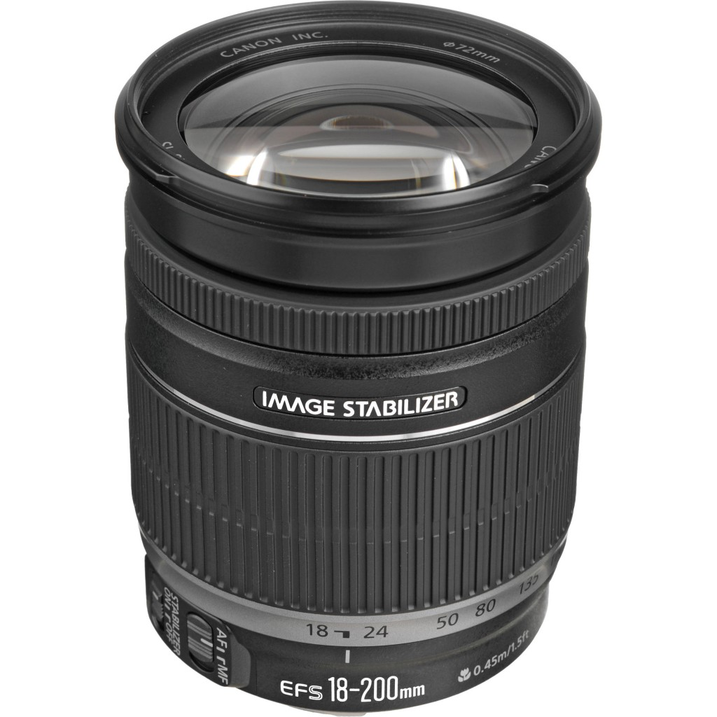 Canon EF-S 18-200mm f 3.5 5.6 is lens