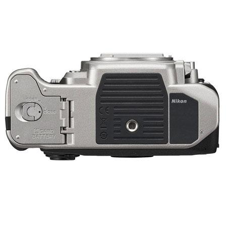 Nikon Df bottom