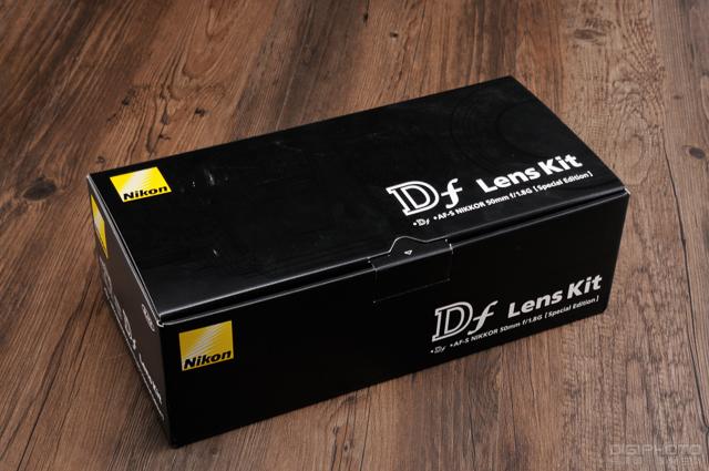 Nikon Df unbox 1