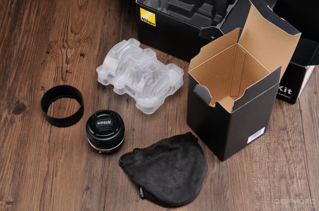 Nikon Df unbox 4