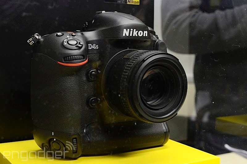 Nikon D4S 4