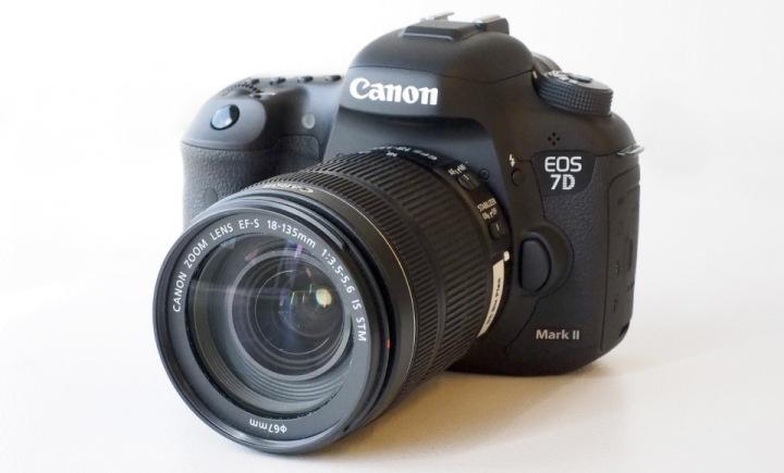 canon eos 7d mark ii camera news at cameraegg. Black Bedroom Furniture Sets. Home Design Ideas