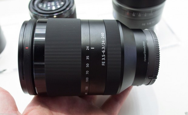 Video Sony Fe 24 240mm F 3 5 6 3 Oss Lens Hands On Review