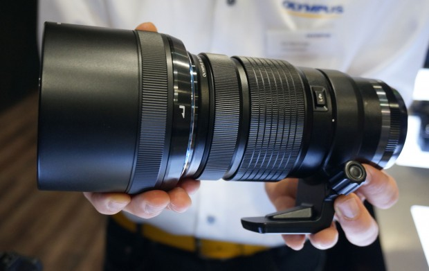 Olumpus-M-Zuiko-300mm-f4-PRO lens