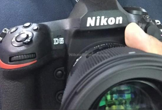 Nikon-D5-DSLR 1