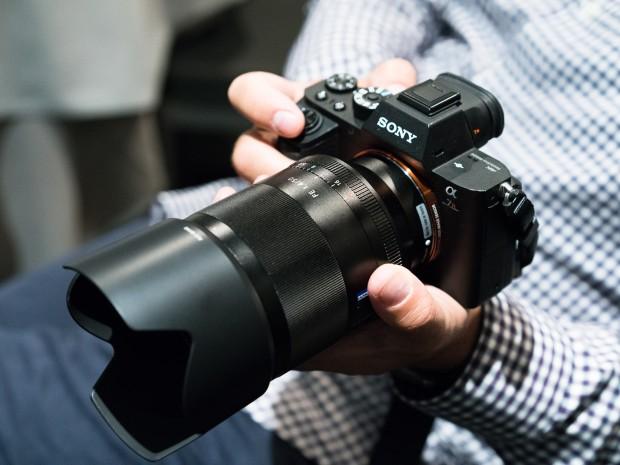 sony zeiss fe 50mm f 1.4 za lens 1