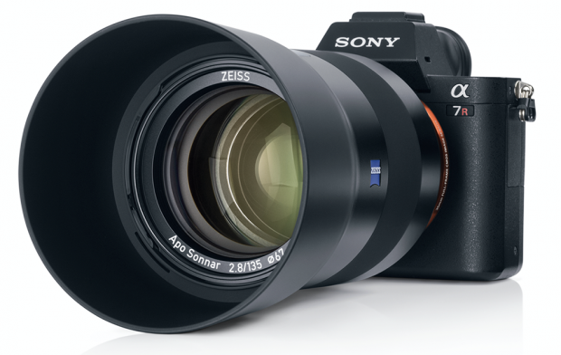 zeiss batis 135mm f 2.8 fe lens
