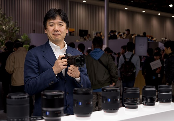 Sony Manager Predicts Canon & Nikon will Release Full Frame Mirrorless Cameras within One Year